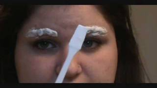 How to Lighten Your Eyebrows (Eyebrow Bleaching)
