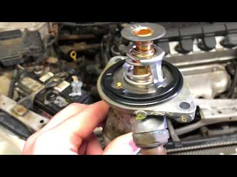 DIY: 2002-2005 Honda Civic thermostat replacement.