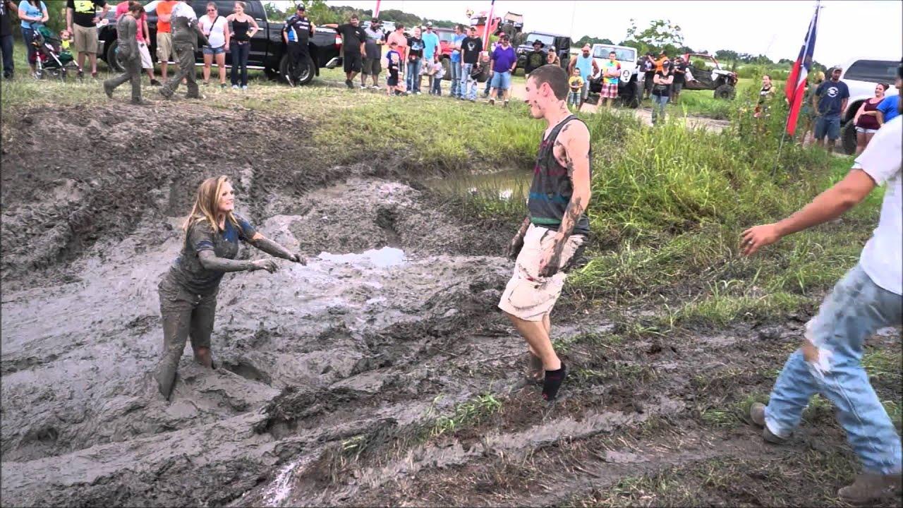 mud wrestling Girls