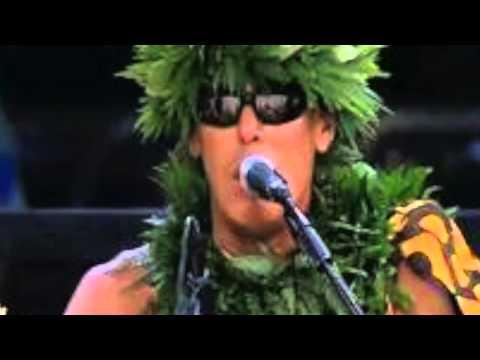 Mark Keali'i Ho'omalu, He Mele No Ka'uhinilele. (Hawaiian)