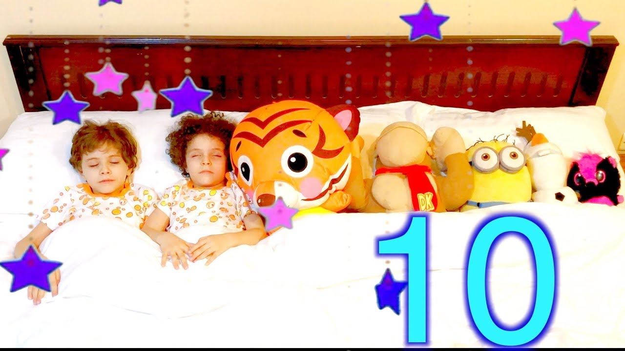 Ten in the Bed - Nursery Rhymes & Kids Songs- Andrew Max Show