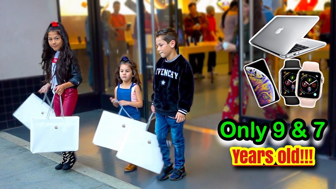 kids-buy-everything-in-the-apple-store-familia-diamond