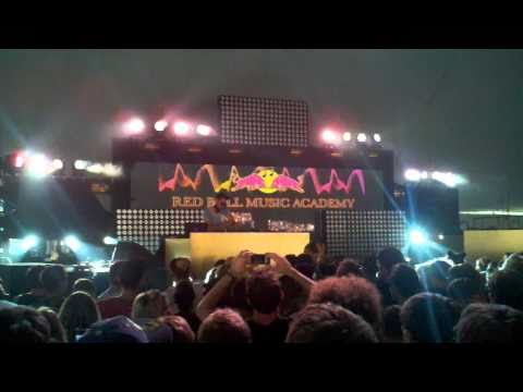 Aeroplane - Faith (Remix) Electric Zoo NYC 9-06-2010