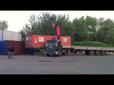 Кран Манипулятор выгружает бытовку весом 5тонн. Киев.