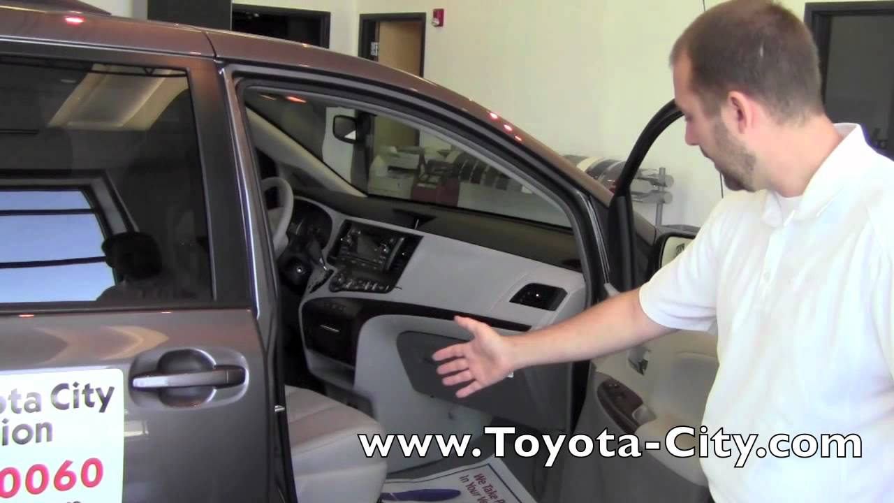 2011 toyota sienna manual passenger seat adjustments how to rh youtube com toyota sienna 2011 manuel toyota sienna manual 2015