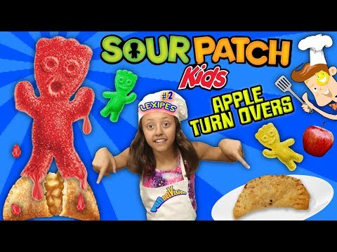 LEXI's SOUR PATCH GUMMY BAKED APPLE PIE SNACK! FUNnel V Fam Cooking Recipe Pt  2