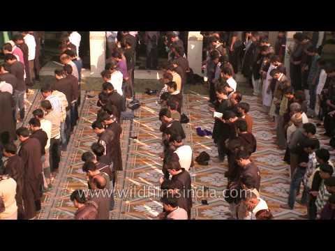 Shia muslims perform rituals of Muharram at Shia Jama Masjid