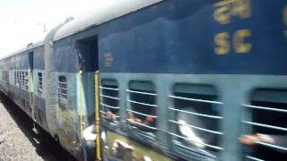 KYN WCAM 3 towing 17617 Tapovan Express near Manmad junction(MMR)