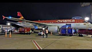 Despegue nocturno de Avianca Airbus A320 N538AV en Bogota El Dorado 13L