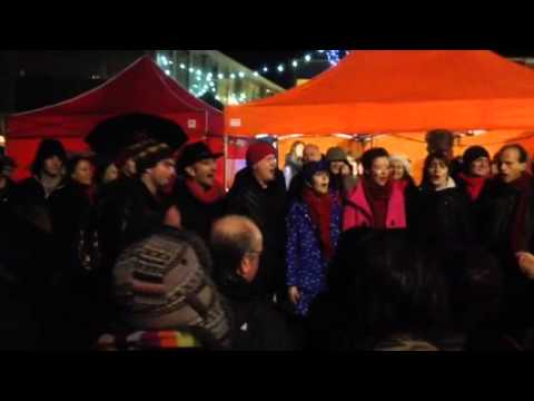 Glorious Chorus at Totnes Christmas Market with Taschi beatboxing.