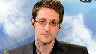 Сноуден высмеял Трампа и Клинтон