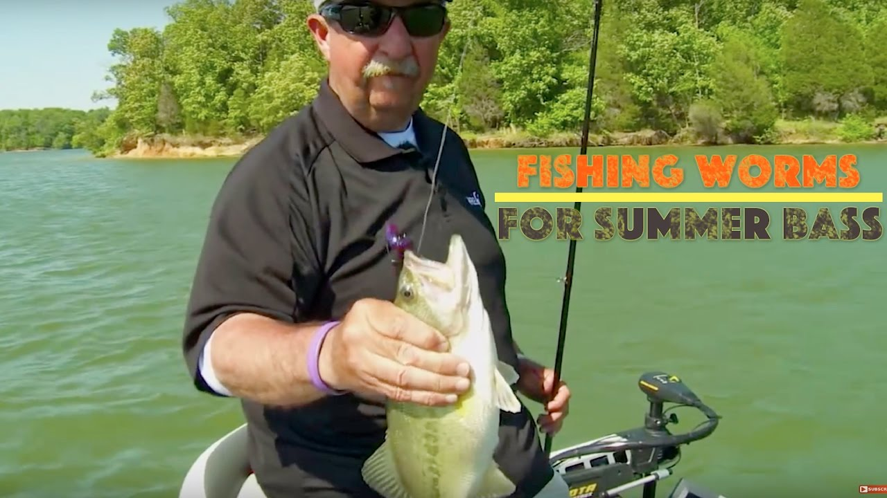 fishing a big 10 inch worm for summer bass youtube