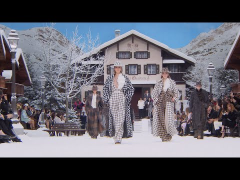 The Fall-Winter 2019/20 Show — CHANEL