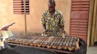 Dougoutigui Diabaté is playing the famous song TAKE FIVE with the Balafon !