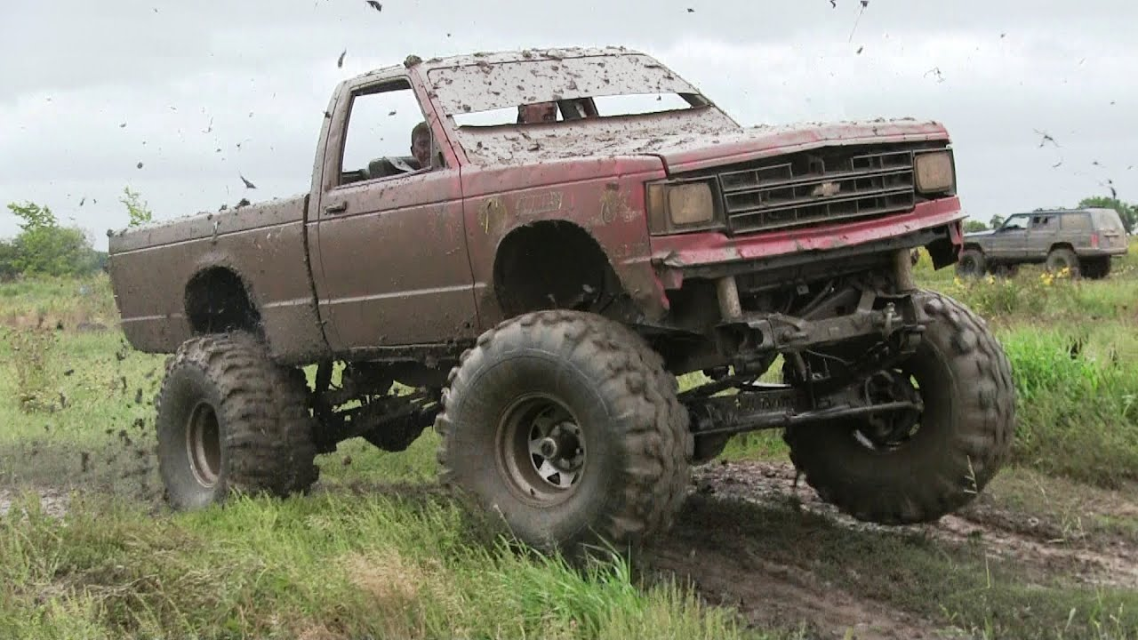 Red Chevy Mudding At Country Compound Fall Bog 2016 Youtube
