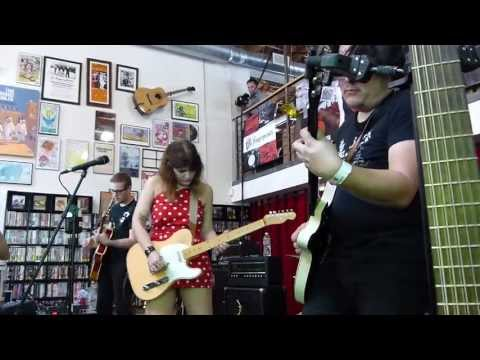 Best Coast - Last Year LIVE HD (Record Store Day 2013) Long Beach Fingerprints
