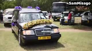 LIVE : Mwili Wa MTOTO PATRICK Wa Muna Love Ukiwasili Leaders | Baba Yake PETER!