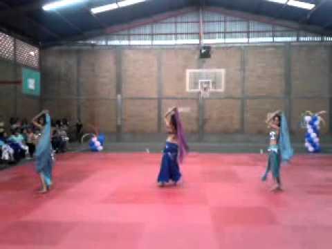 Danza árabe 2, Rohy Mertahalak - Amr Diab