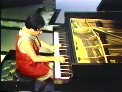 Alicia de Larrocha plays Albéniz - Iberia: El Albaicin [TV,1969]