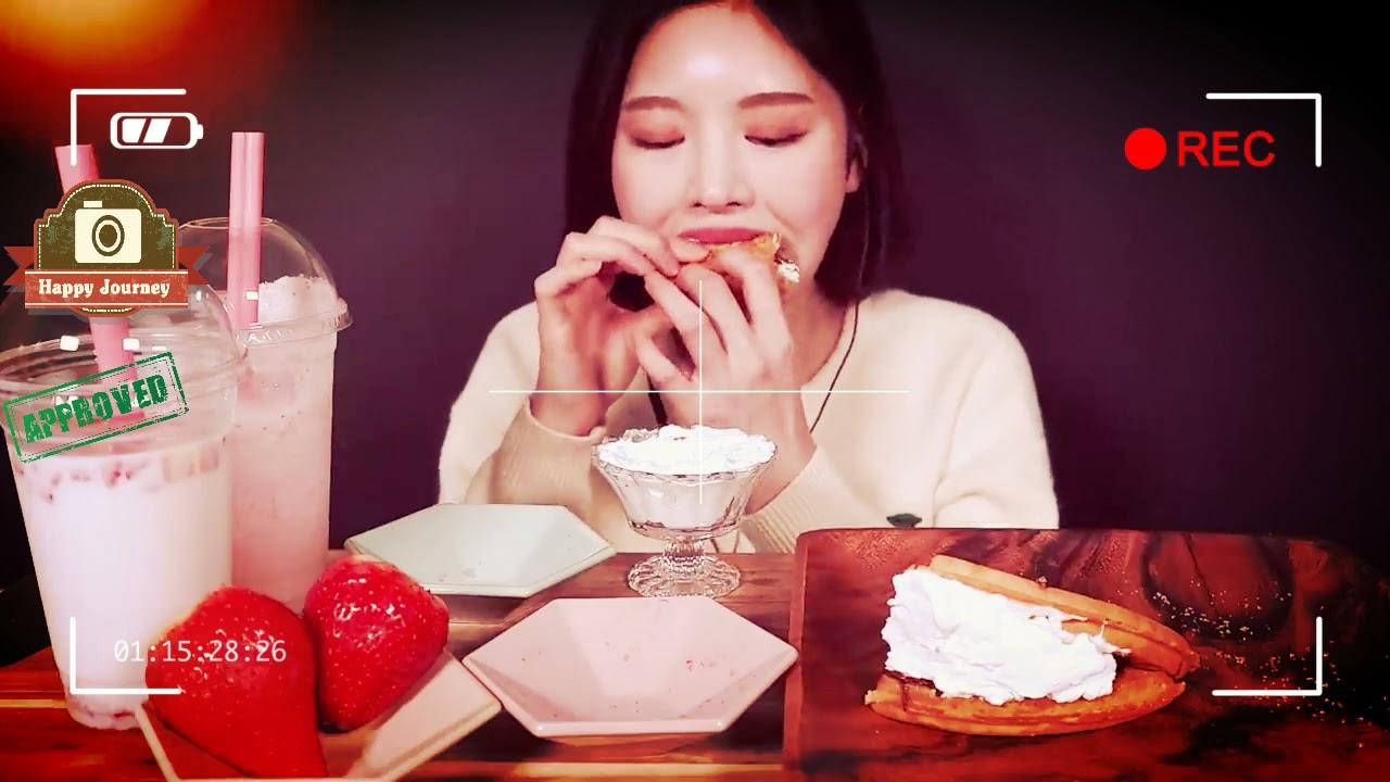 ASMR Waffle Strowberry With Boki
