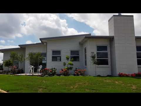 Premier  Mansion Brick in White (542W X 270H X 70D)
