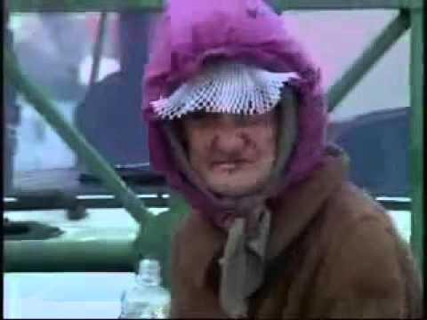 ПРИКОЛ, ФЕЙЛ, NEW 2015  Бабка на вокзале в Киеве кричит ПИДАРАСЫ РЖАЧНО ППЦ