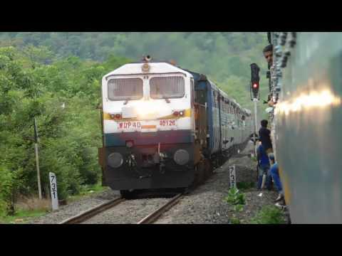 22630 Tirunelveli - Dadar Express Via Konkan Railways Crossing 10103 Mandovi Express at Vinhere