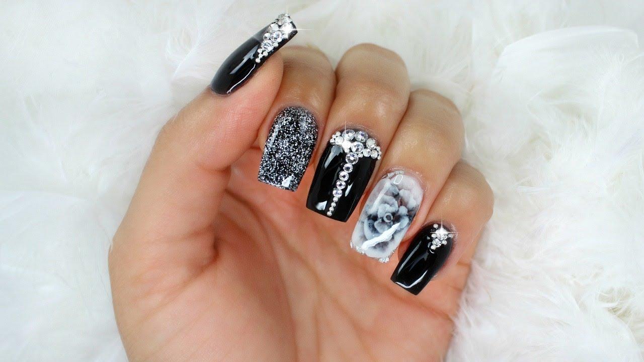 Uñas Negras Glamorosas con Cristales Y Rosa 3D Encapsulada ...