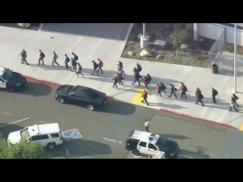 Gaby Calderon - Tiroteo en Escuela de California deja heridos. Policia ofrece detalles