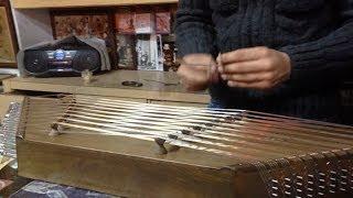 イランの首都テヘランで楽器店に入ったところ、演奏して頂けました。 投...