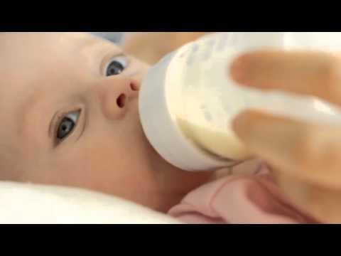 Детская смесь и коровье молоко