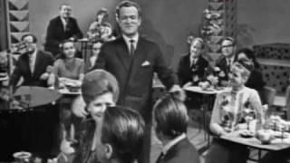 Бен Бенцианов голубой огонек 1966 куплеты сатирические