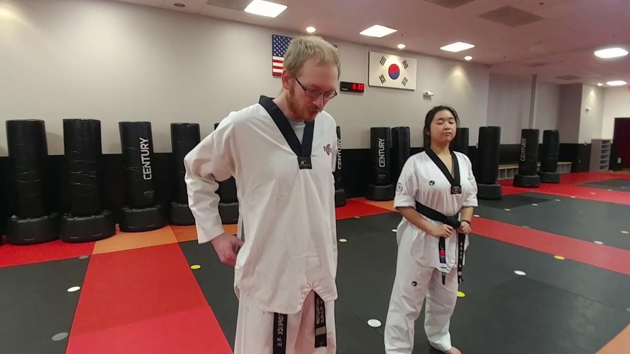 how to wear taekwondo belt