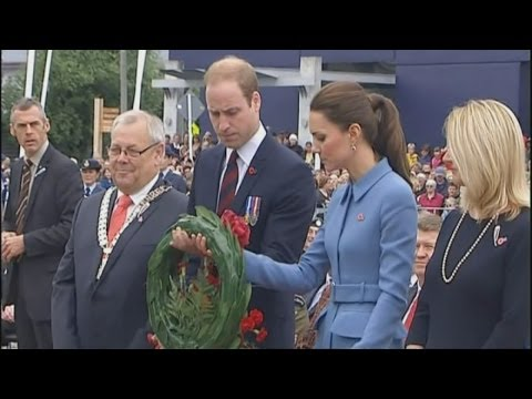 Prince William and Kate lay wreath in Blenheim, New Zealand
