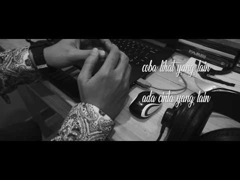 Gloria Jessica - Dia Tak Cinta Kamu (Cover + Lyric Video)