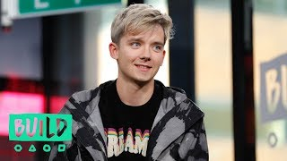 Asa Butterfield Talks Playing Gillian Anderson's Son in