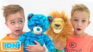 Vlad dan Nikita membangun Mainan mereka sendiri