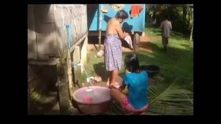 HOT BEAUTIFUL FILIPINA BATHING AN EXPAT PHILIPPINES thumbnail