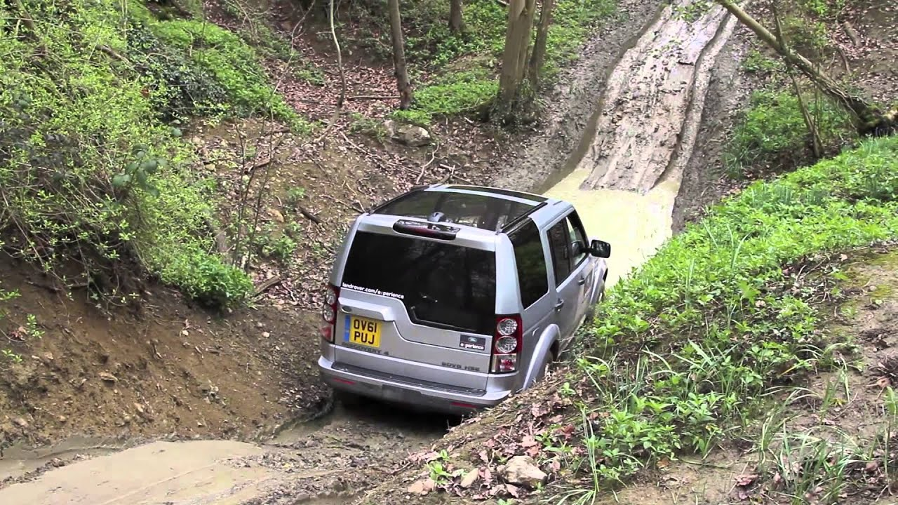 Land Rover Discovery off road at Eastnor Castle - YouTube