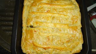 Pastei met kip & Pastei met feta en spinazie. (vegetarisch)
