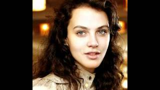 Jessica Brown Findlay Anyone Who Knows What Love Is Will Understand