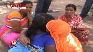 kissing baba    sanjeev baba    prodduturu    teenmaar news    v6 news