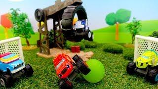 Мультики про машинки. Вспыш играет в мяч. Видео для мальчиков.