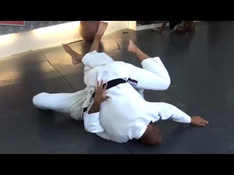 Rolling Half Guard Sweep by Roberto 'Gordo' Correa