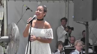 I Still Call Australia Home - Peter Allen (cover by Stella De Oliveira) Resimi
