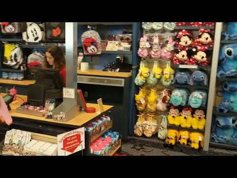 Disneys All Star Movies Resort Quick Walkthrough of the Pools, CheckIn, the Store & Food Court