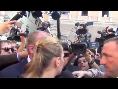 """Francesca Pascale, la fidanzata di Berlusconi: """"Non mi sento una puttana"""""""