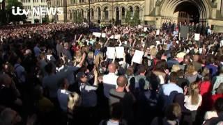 Video Manchester Attack: Vigil Chants in Defiance of Terror download MP3, 3GP, MP4, WEBM, AVI, FLV November 2018