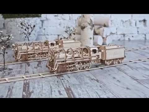 UGEARS 460   Locomotive With Tender And Many Gears Inside, Represents The Whole Period Of 19th Cent