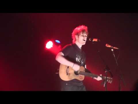 Ed Sheeran - Give Me Love (live @ DOCKS In Hamburg, 06.03.12) HD